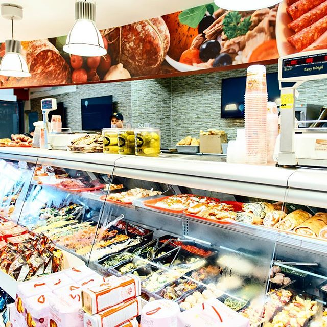 Expecting company this weekend? Stock up in delicious fresh #BoarsHead cold cuts, prepared and hot items right here at @ac_superette  #AandCSuperette #catering #grocery #Italian #food #delicious #StatenIsland #NY #boarshead #italianspecialties #localproduce #freshmozzarella #preparedfoods #deli #superette
