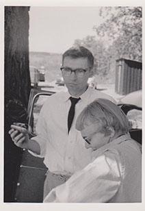 Jode Meesum, holding hot dog.