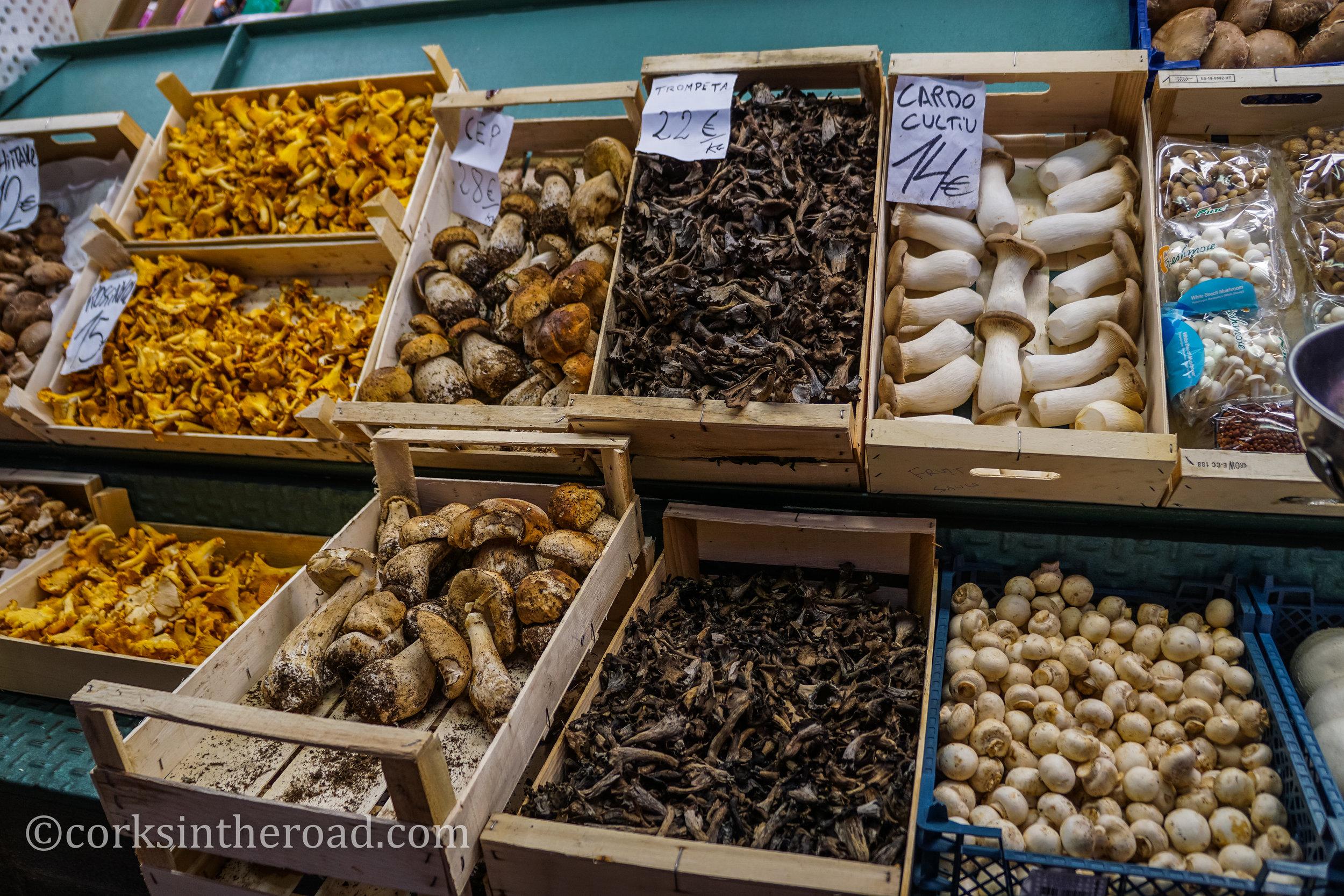 20160806Barcelona, Corksintheroad, Market.jpg