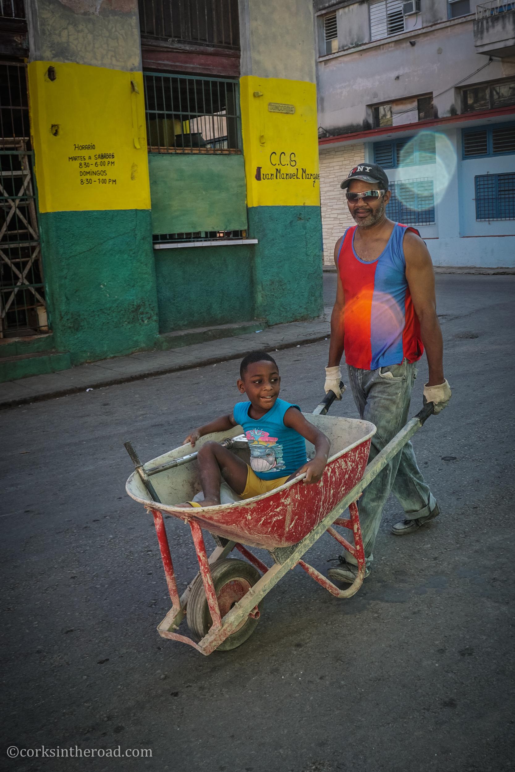 Corksintheroad, Cuba, Havana, People.jpg