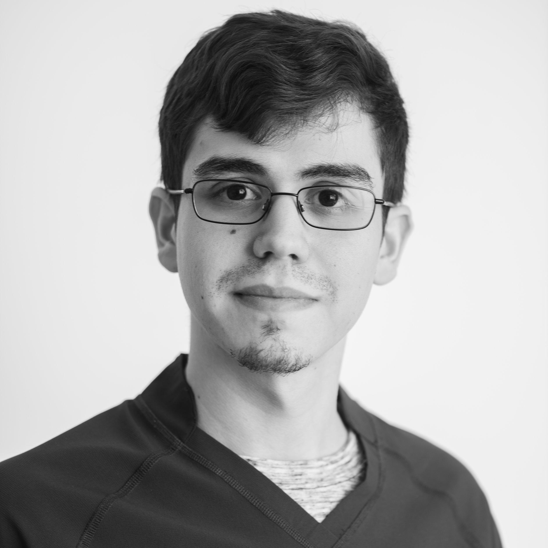Kenneth Acevedo    Asistente Médica  kenneth@clinicamedicos.org