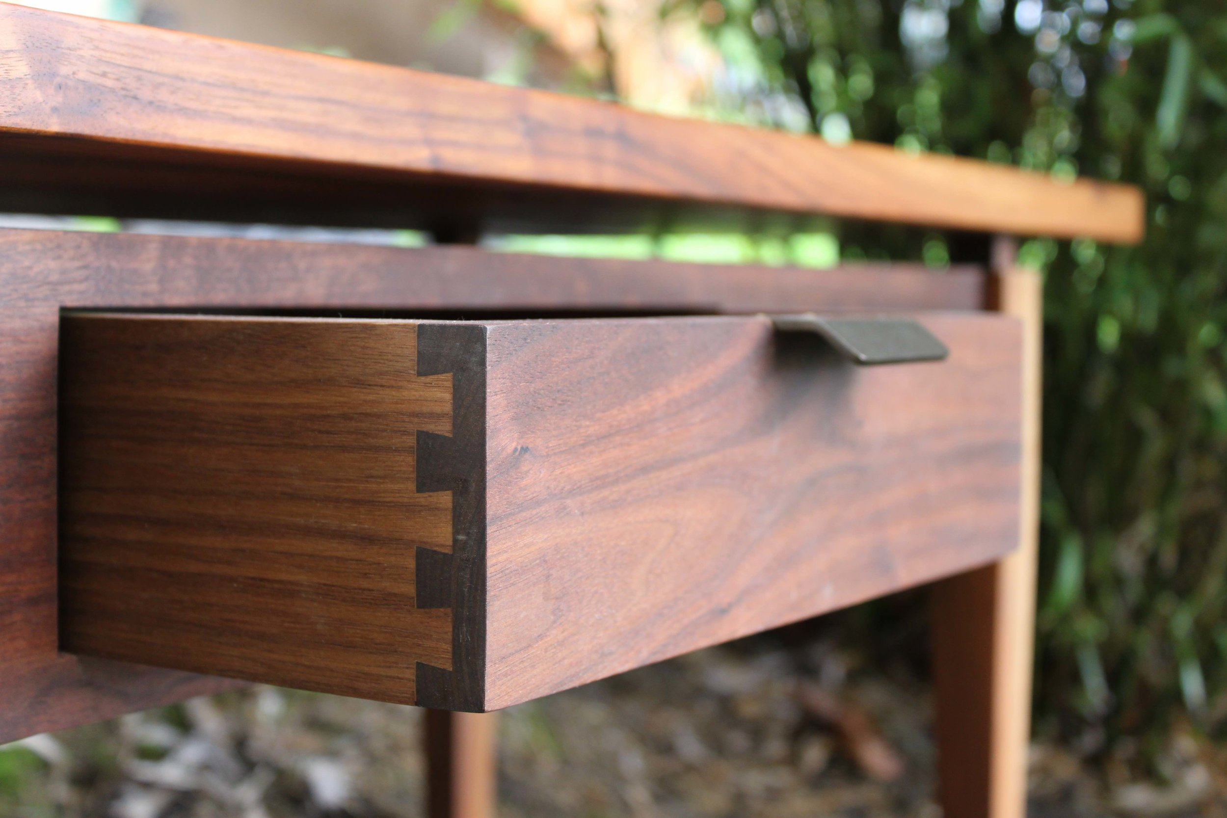 Walnut Coffee Table.Drawer Detail.jpg