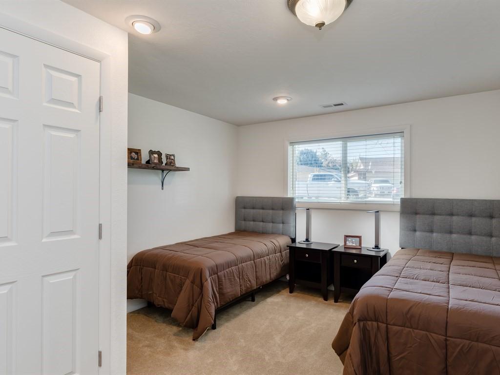008_Bedroom.jpg