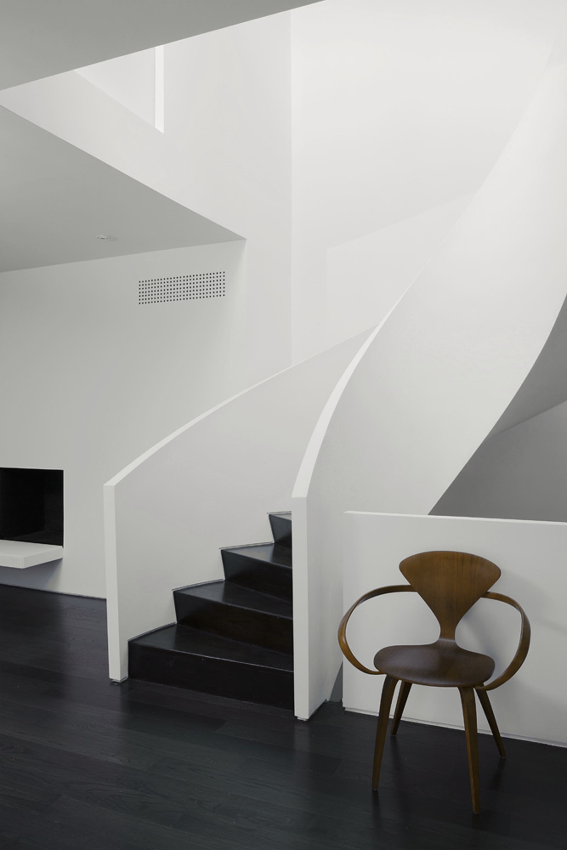 Copy of Russell Hill Road - Stair Curve White Landing Black Stain