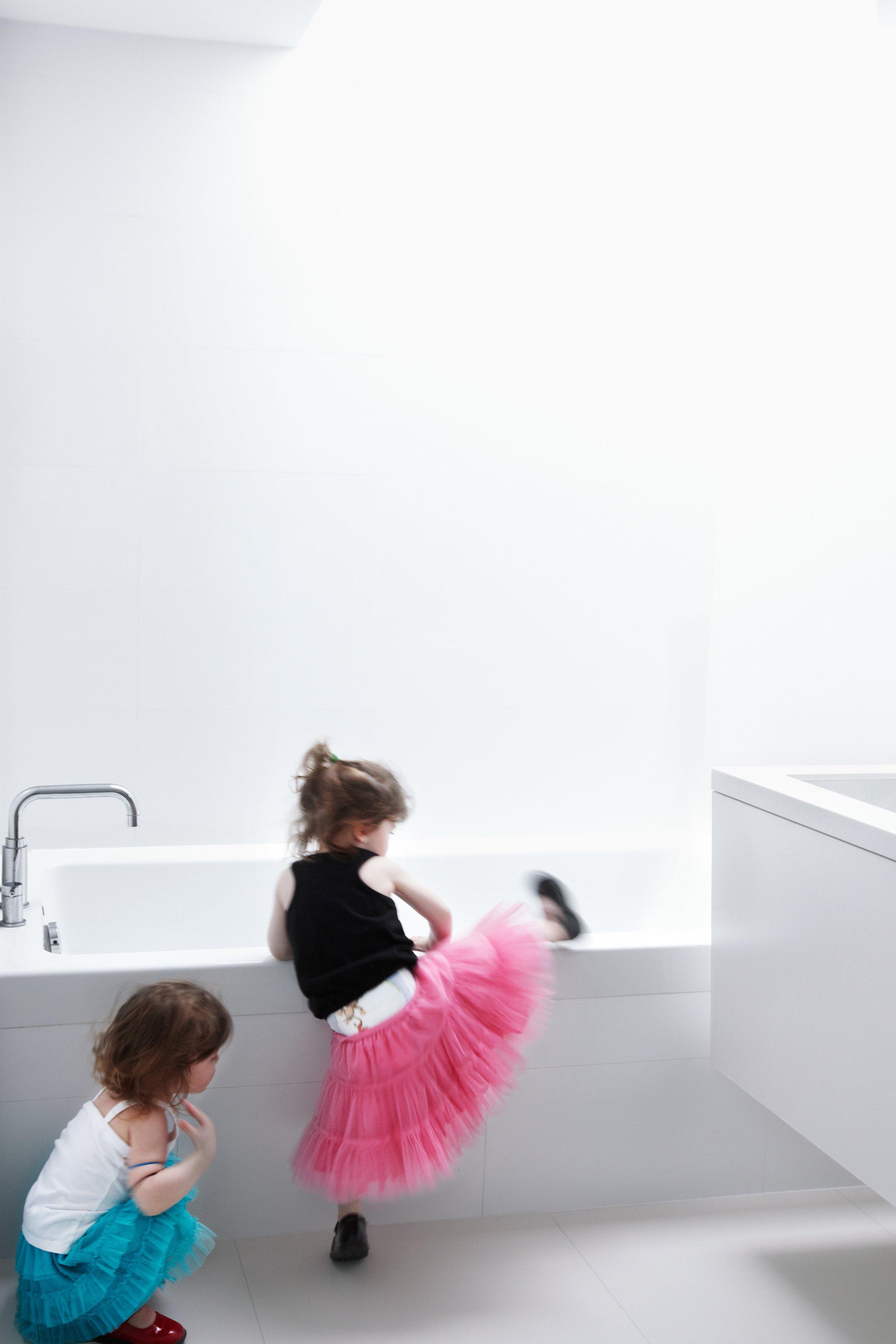 House 60 - bathroom bathtub sink