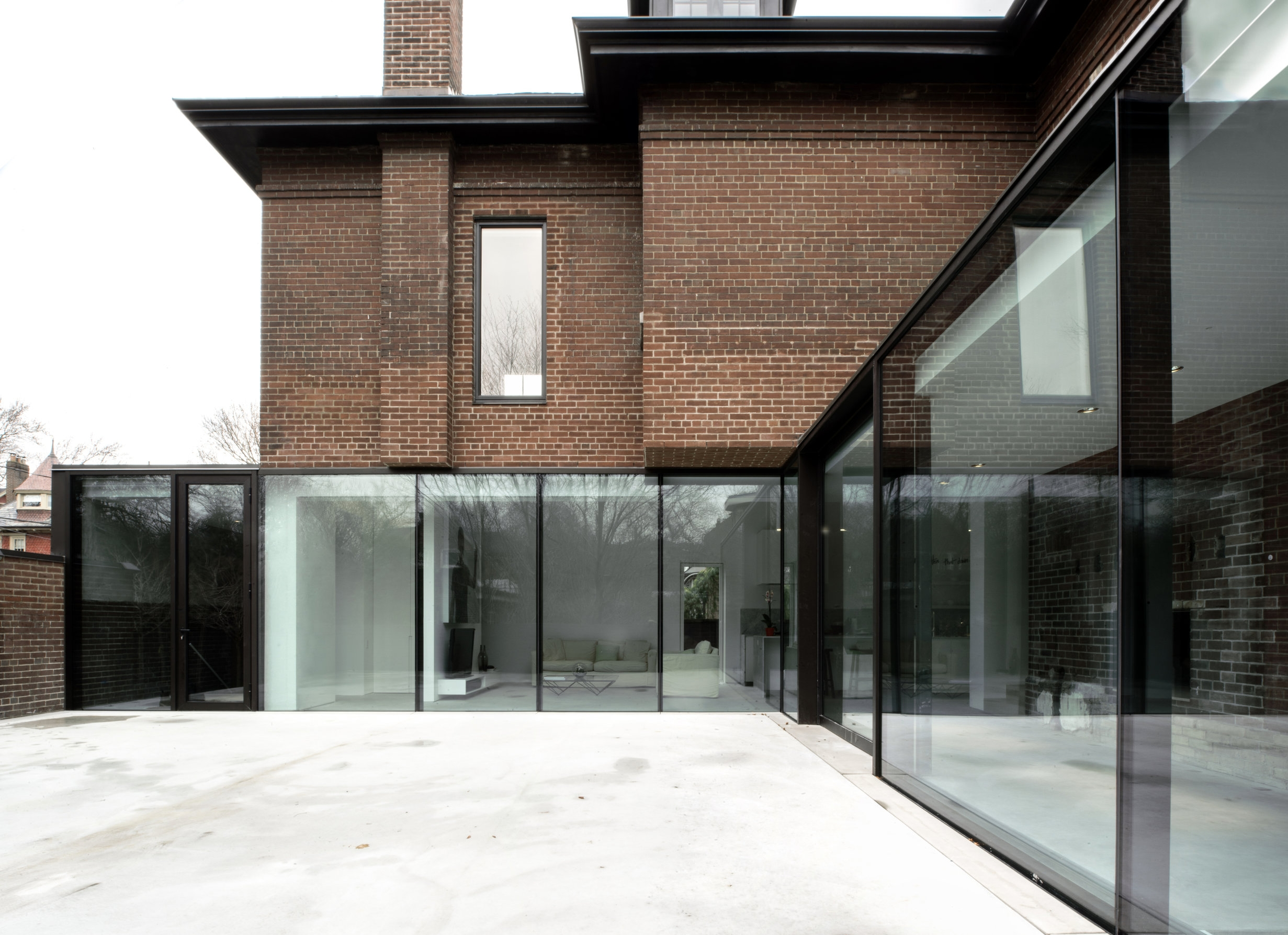 Copy of Copy of Copy of Street House - glass wall patio