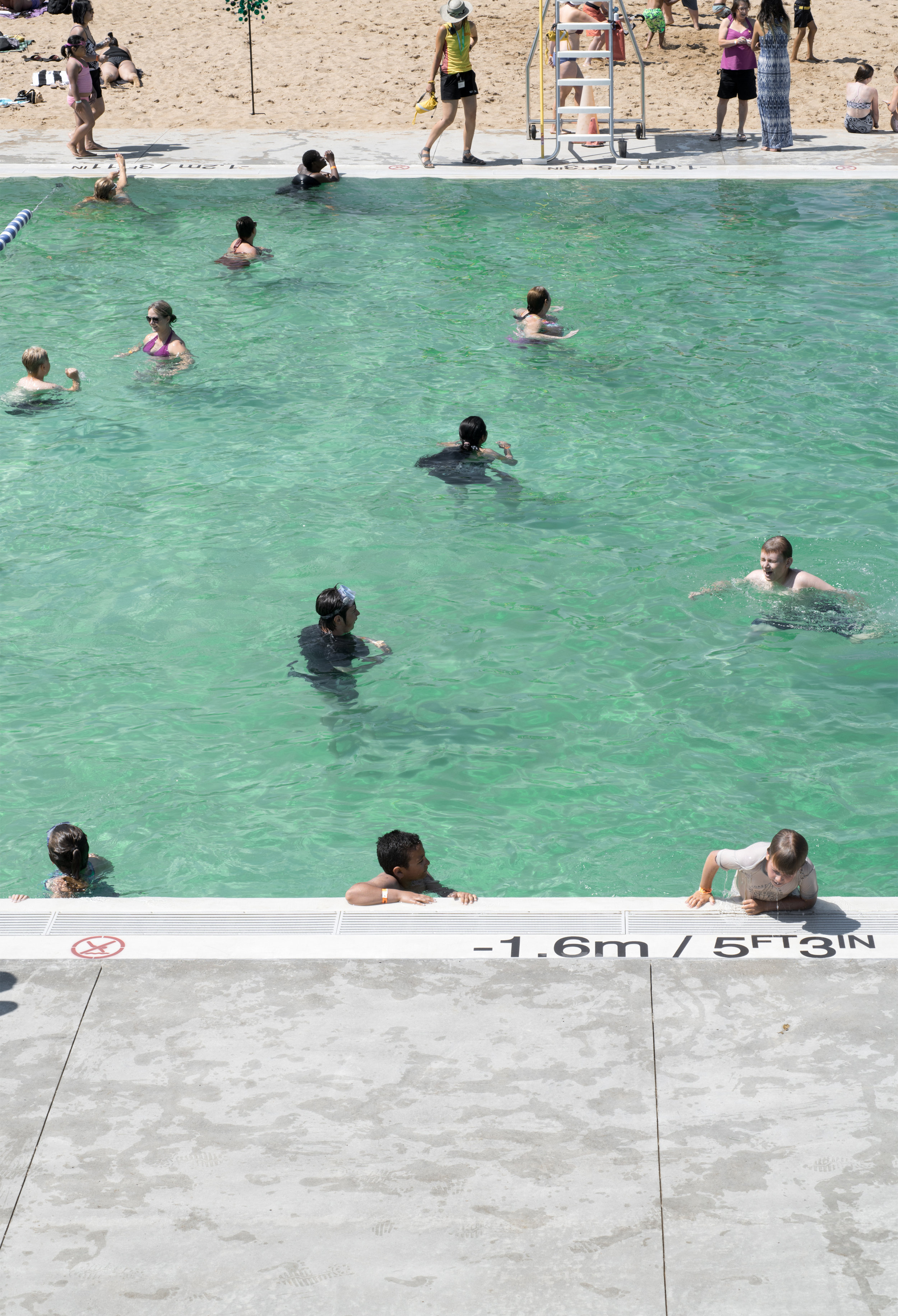 gh3 - Borden Park Natural Swimming Pool - Bathers from above