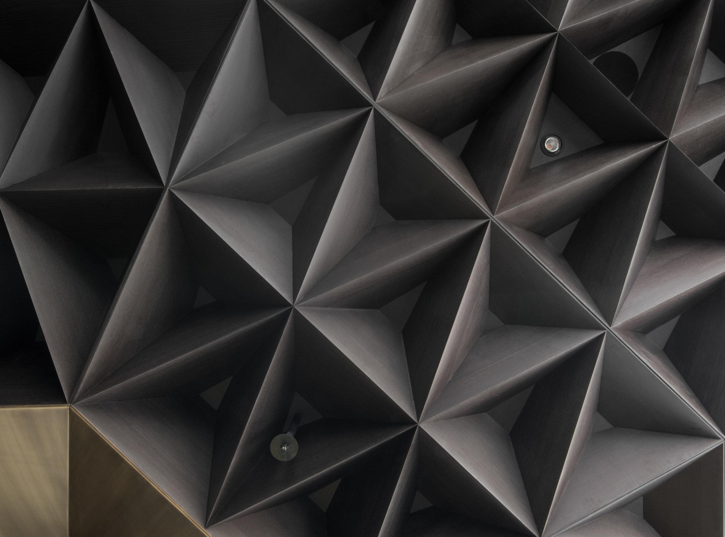 gh3 - Arthur's Restaurant - Ceiling Detail
