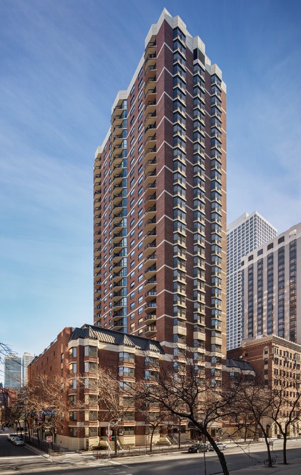21 WEST ELM   Location: Chicago Description: 36 stories, 276 for lease apartments, 21K sq. ft. of commercial Completed: 1976