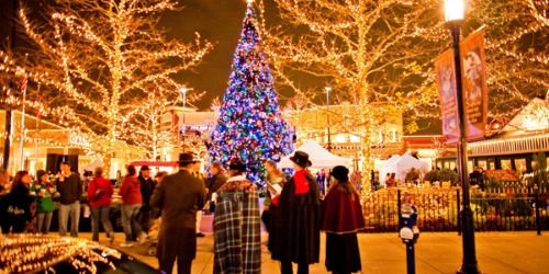 Easton Holiday Carriage Rides : 11/17- 12/23  After a grand celebration on 11/17, Easton pulls out all of the stops with it's fantastic light display, carriage rides and visits with Santa of course.