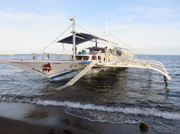 Arriving at Dauin Pura Vida Resort on Negros Island