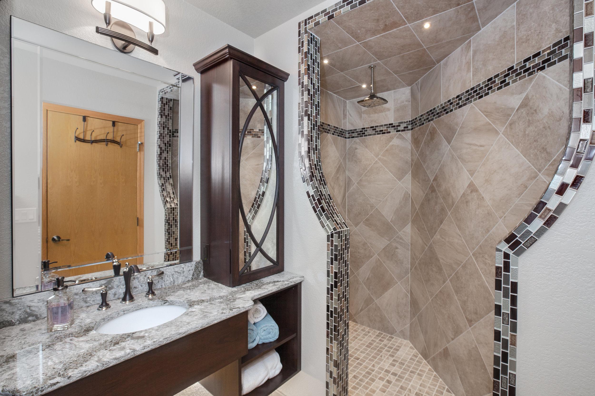 Shower Entrance 1.jpg
