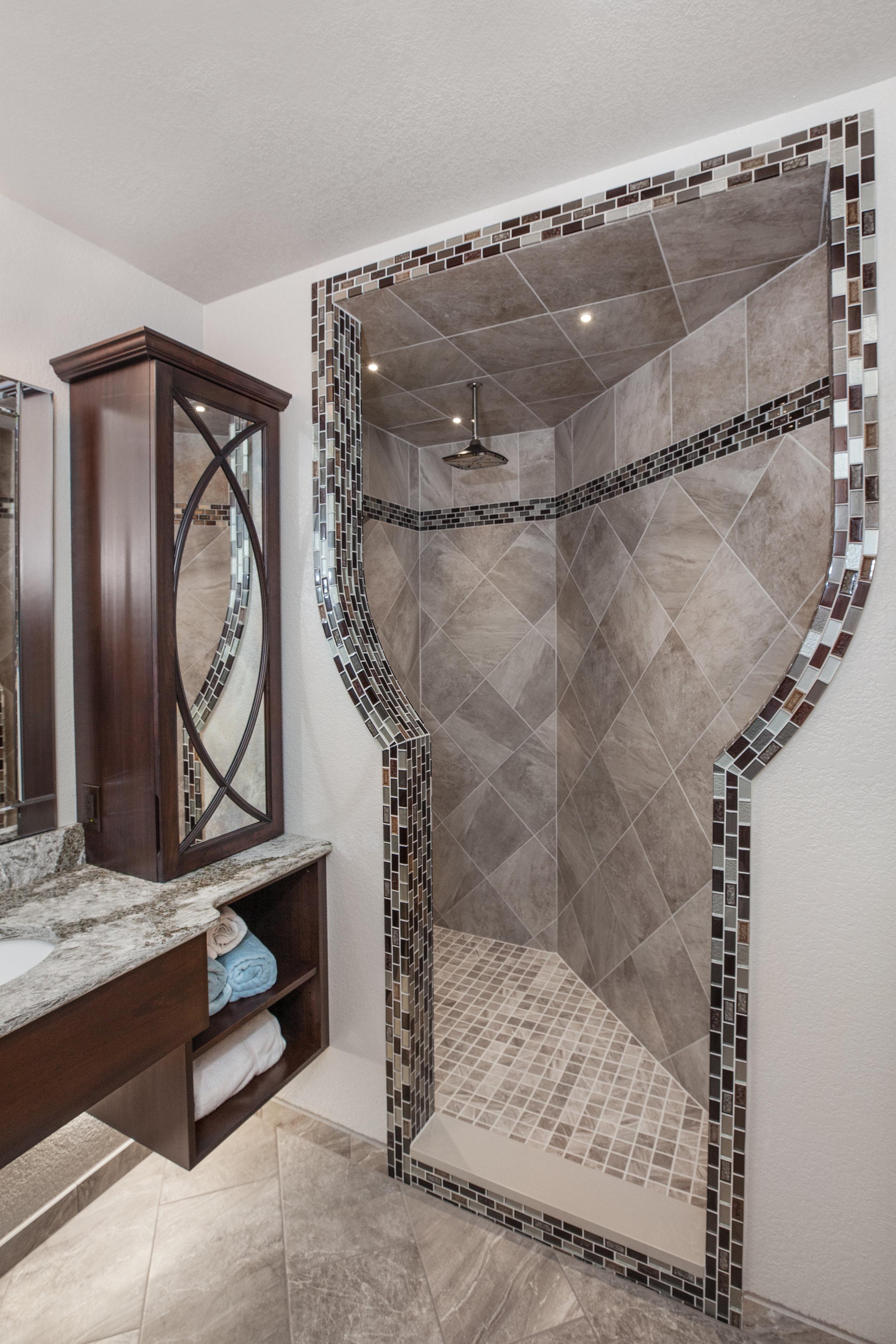 Shower Entrance 2.jpg