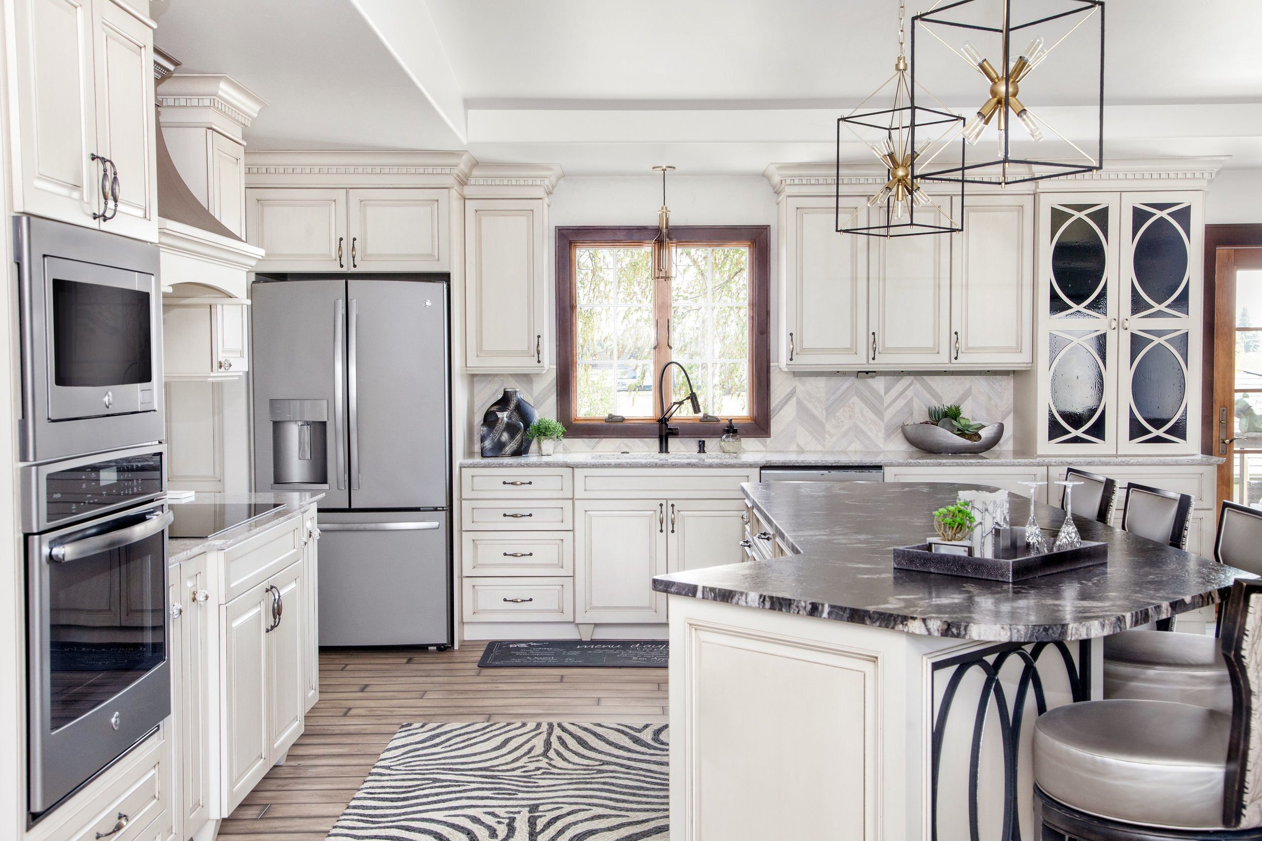 Transitional Kitchen | Contemporary Chandeliers Marble Island