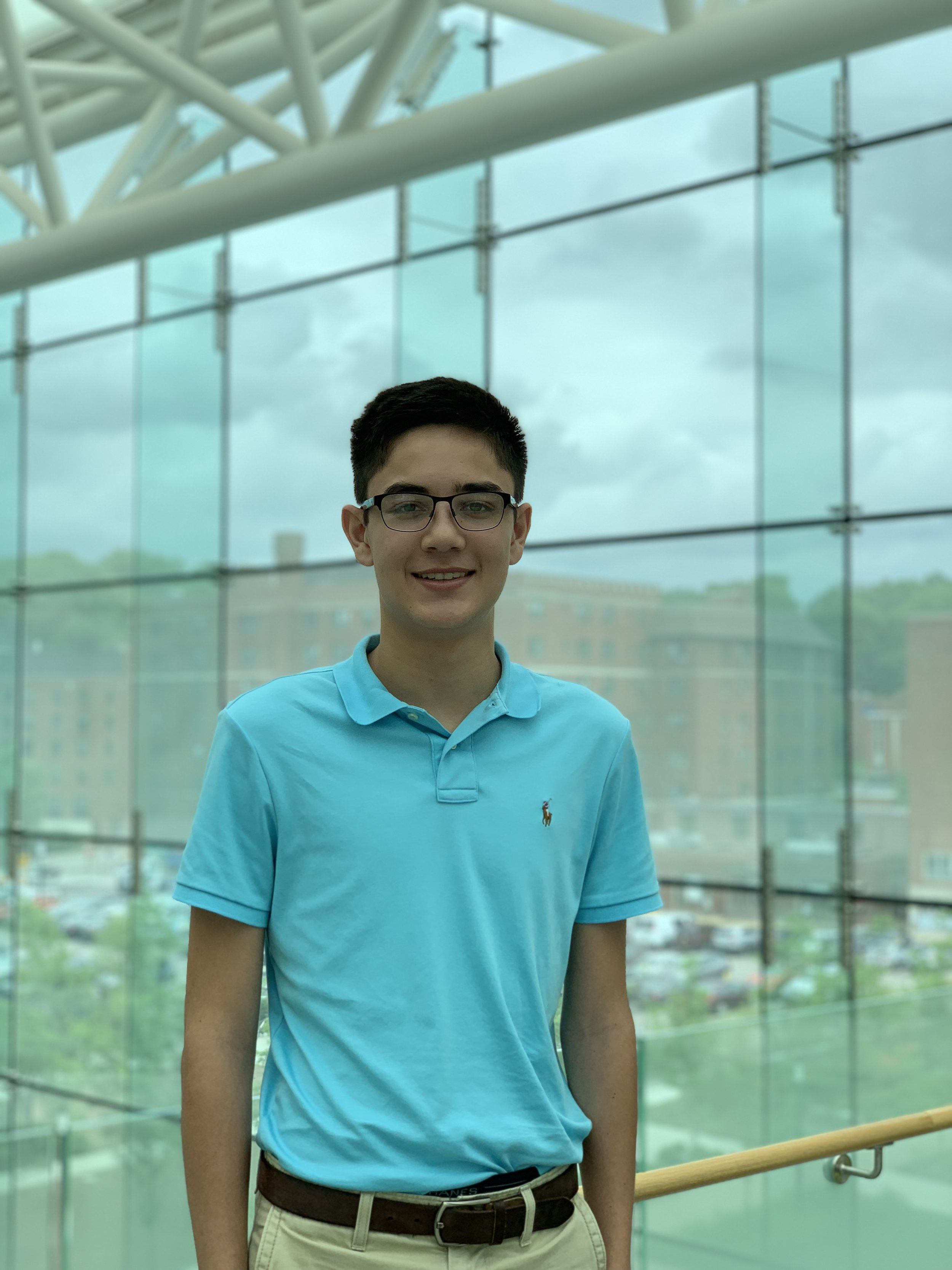 Samuel is a rising sophomore at Babson College, majoring in Global Business Management. Outside of the classroom, he is involved in the Investment Banking club and the MMA club. He enjoys basketball, travelling, and hanging out with friends. At GTE, Samuel looks forward to exploring potential career paths and learning more about the search model.