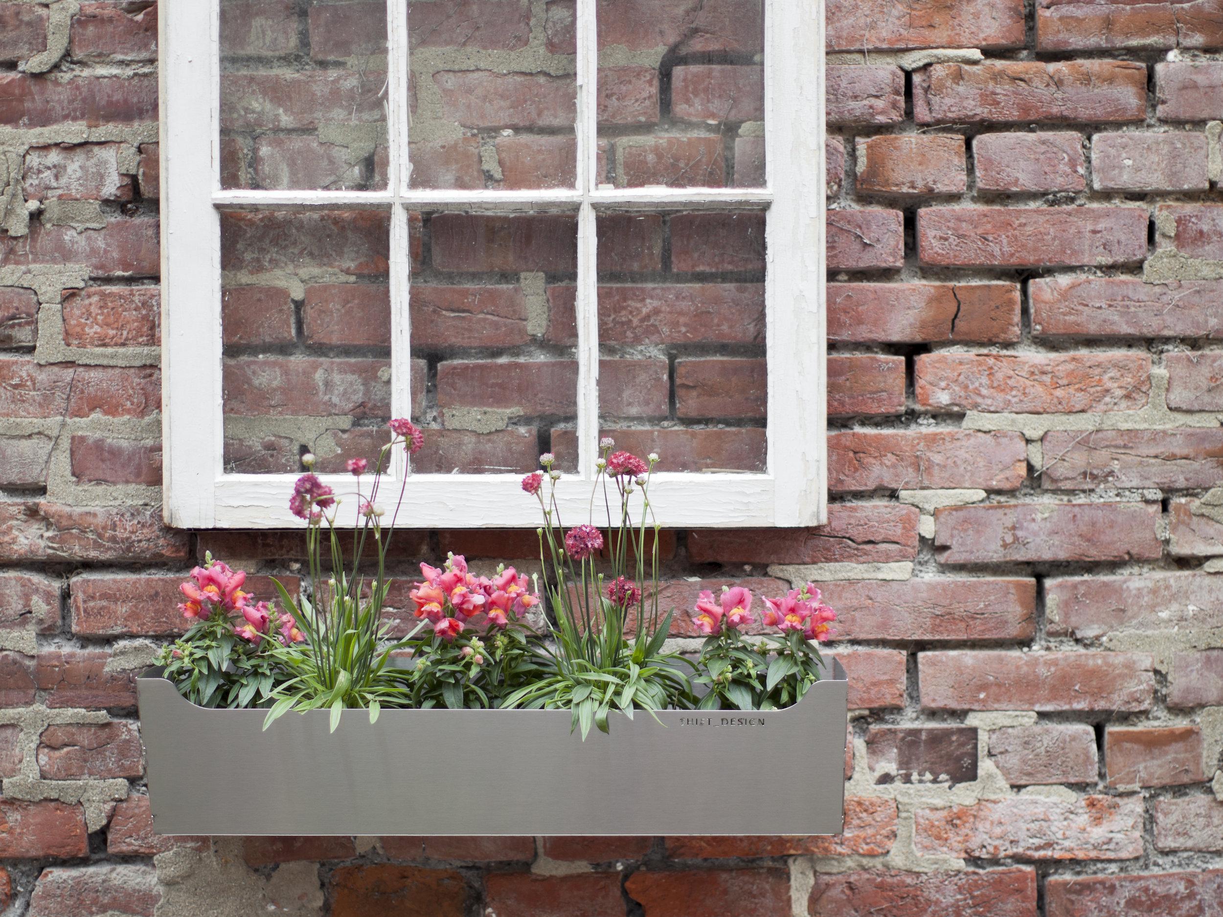 EDGELY Window Box / INOX