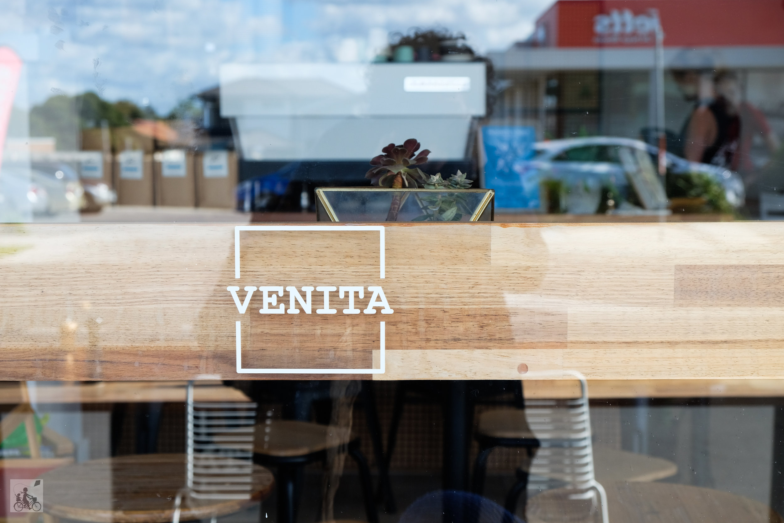 venita, pascoe vale - mamma knows north