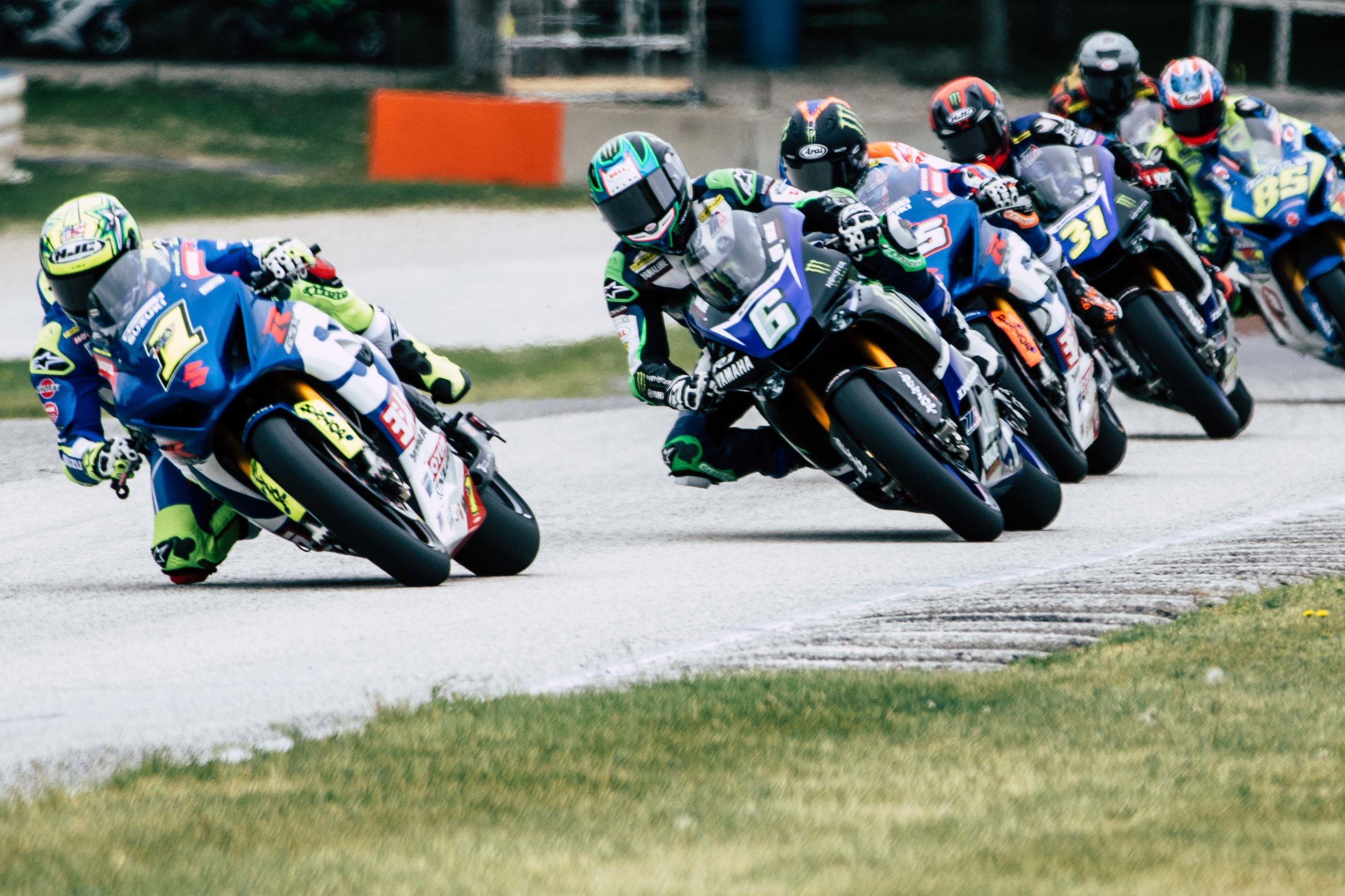 Toni Elias leading the pack into turn 7 at Road America.  (  @ToniElias24  )