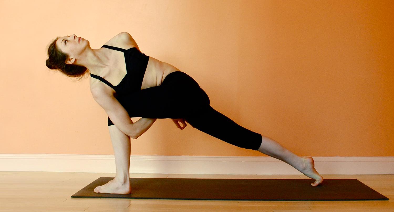 Yoga Lily Cushman