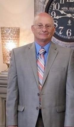 Michael O'Shell Sr., Lead Usher