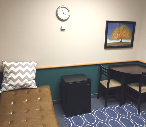 How To Advocate For A Better Mother S Room At Work Pumpspotting