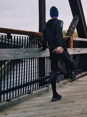 runners+knee.jpg