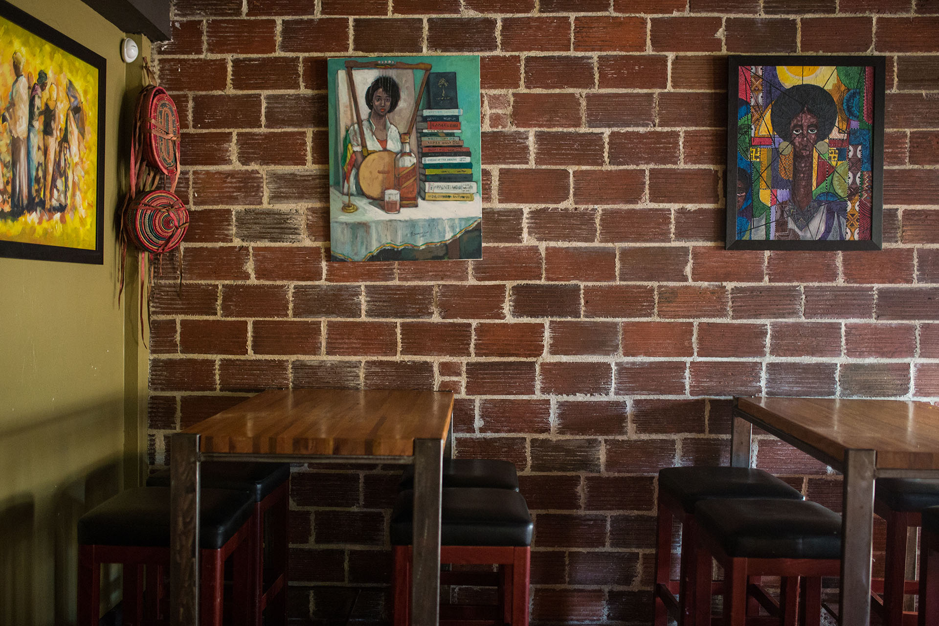 interior brick wall ROMANAT.jpg
