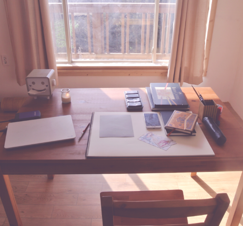 It's temporary, but I've got a huge desk with lots of light! Desk situation @ evydraws