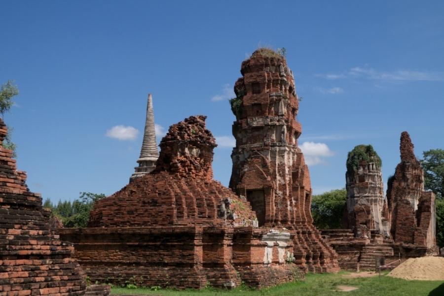 Ayutthaya, Ruins, Photography by Evelyne Park evydraws