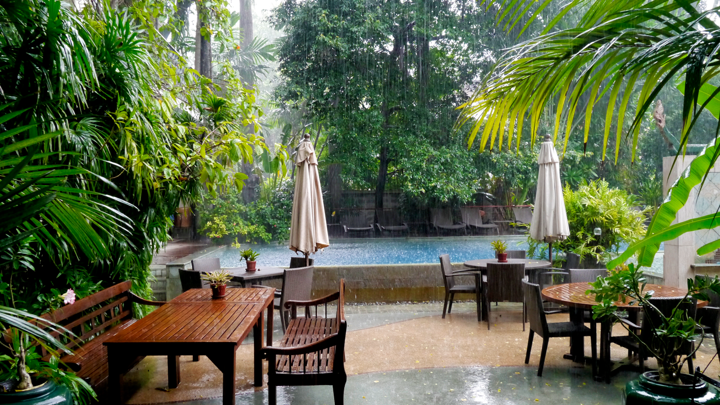Rain pouring down into the courtyard of the Ariyasom Villa in Bangkok. The old-fashioned building made for the perfect cozy retreat - watching the rain as you sip coffee and sketch.