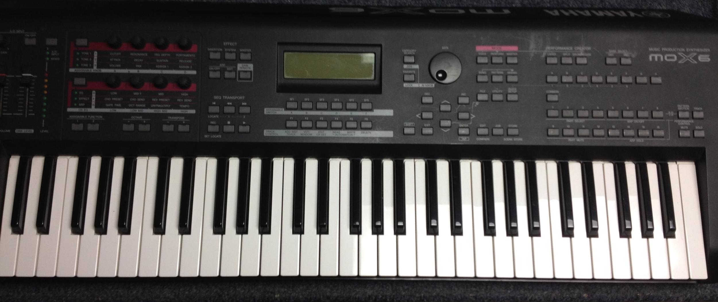 Yamaha MOX6 Keyboard Synthesizer  $399.00 plus $70.00 Shipping within USA