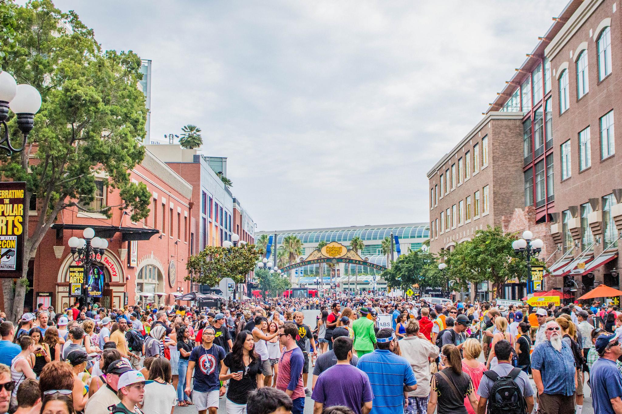 Crowds-at-San-Diego-Comic-Con-2014.jpg