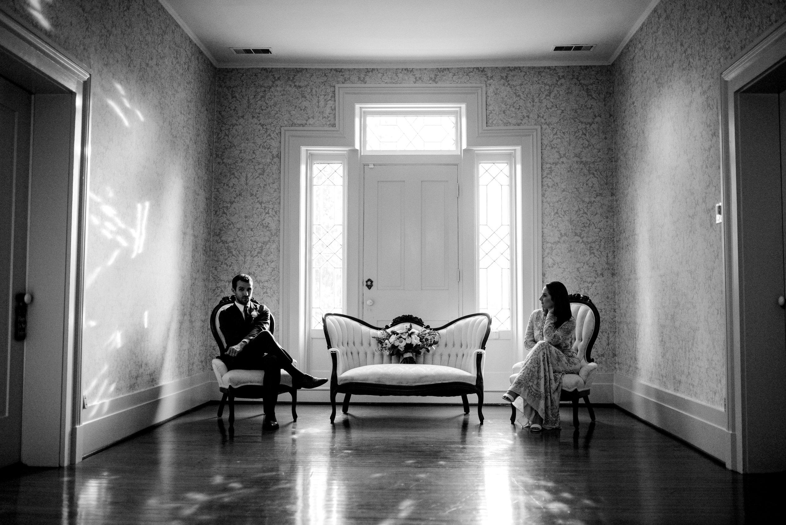 photographer-warrenwood-manor-black-and-white