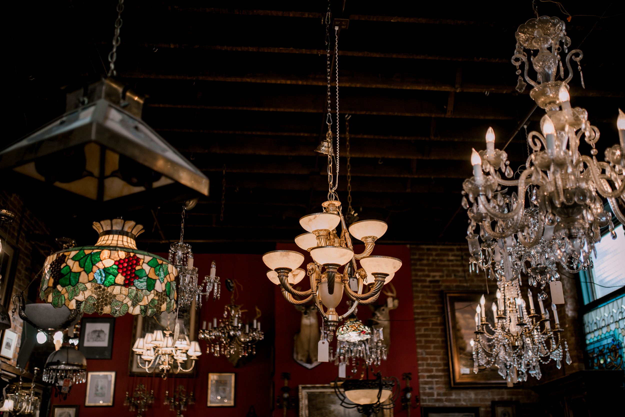 joe-ley's-antique-store-engagement-session-photographer