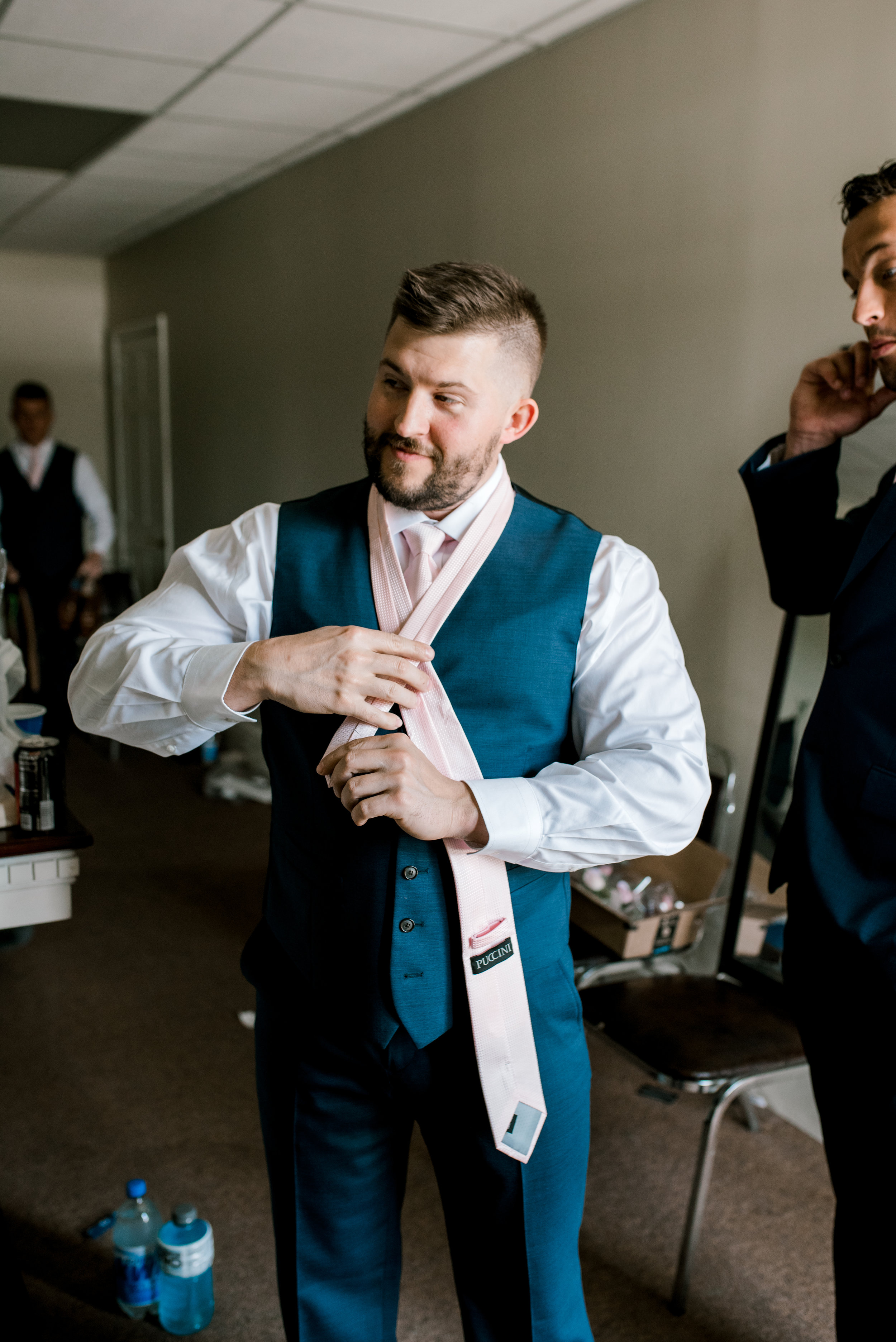 wedding-photographer-lexington-kentucky-groomsmen