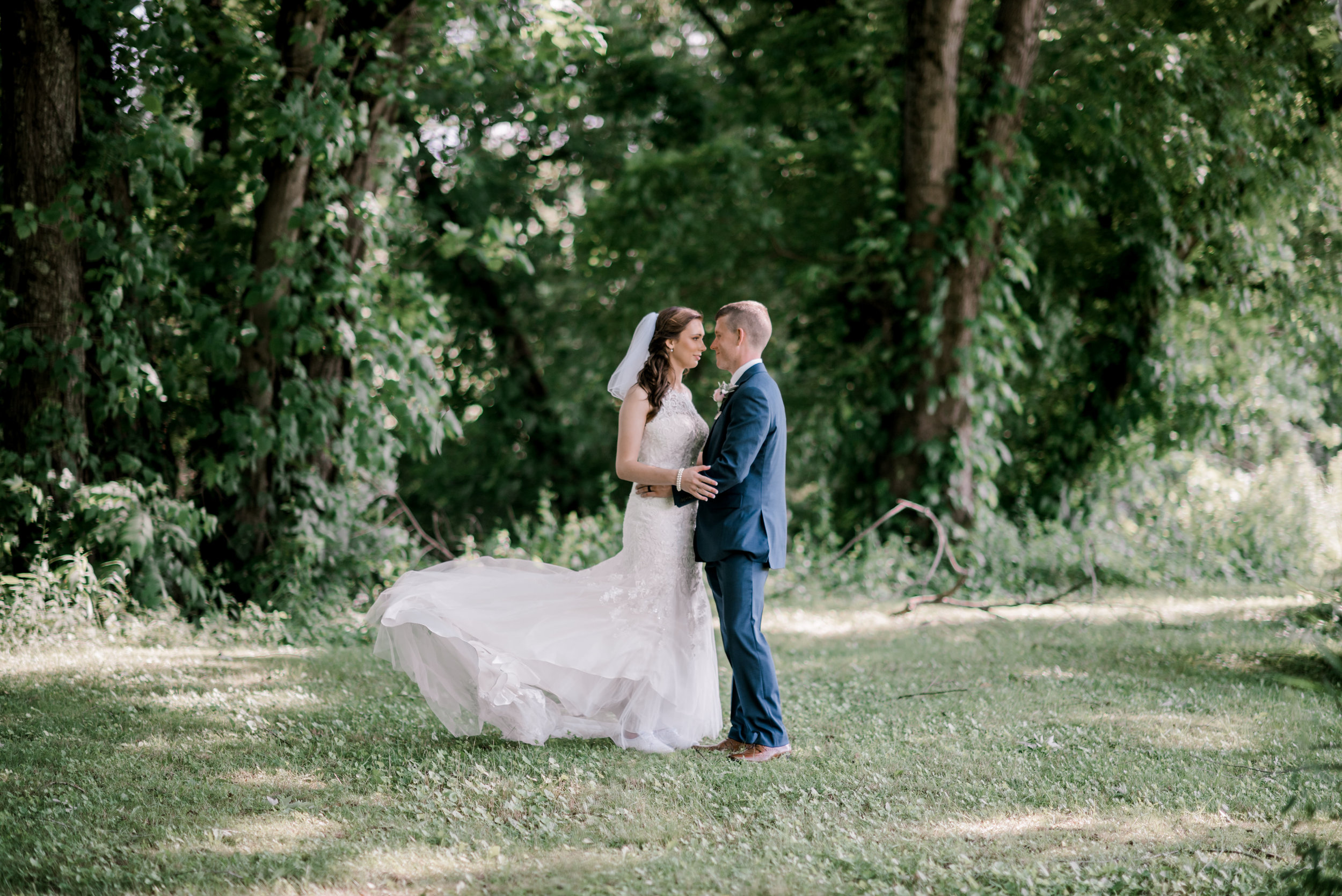 wedding-photographer-lexington-kentucky-bride-and-groom