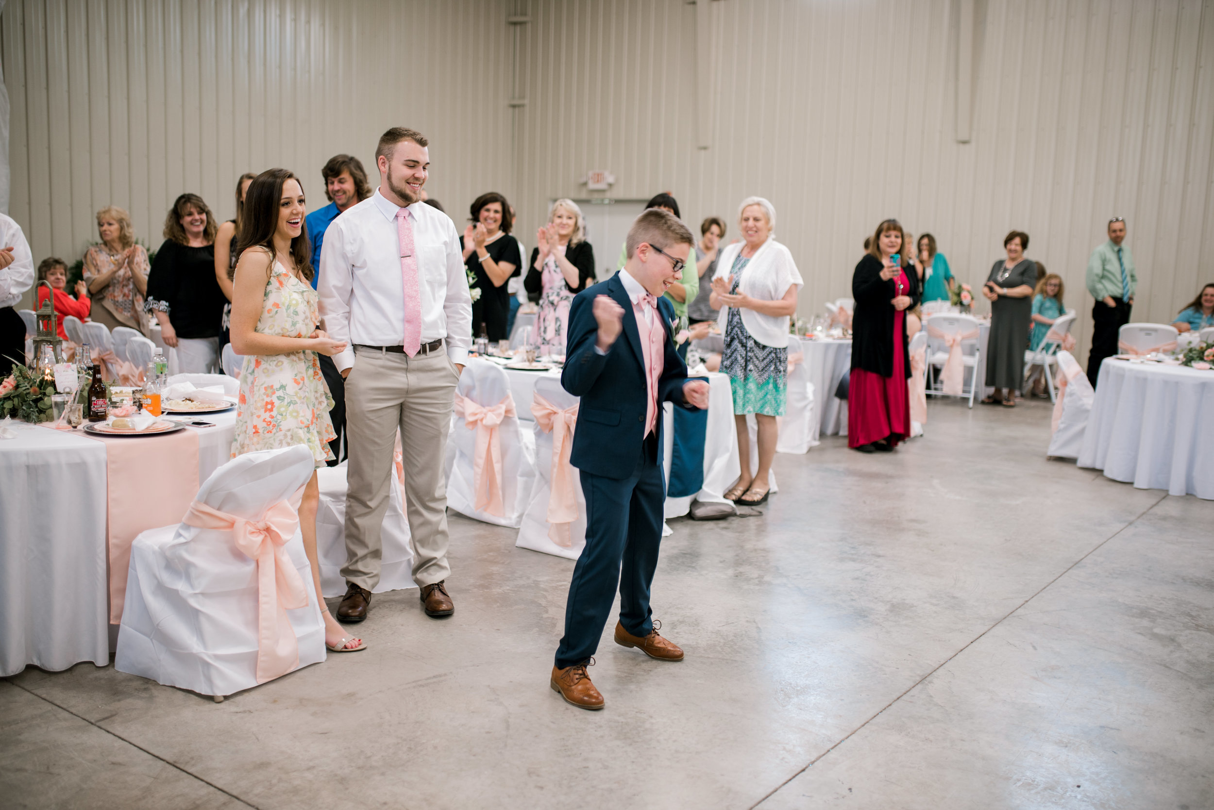 wedding-photographer-lexington-kentucky-reception-dancing