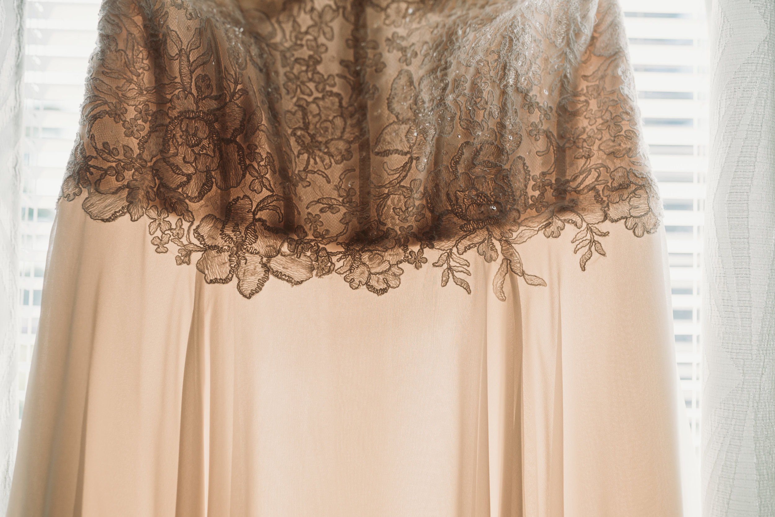lexington-kentucky-wedding-photographer-lace-dress