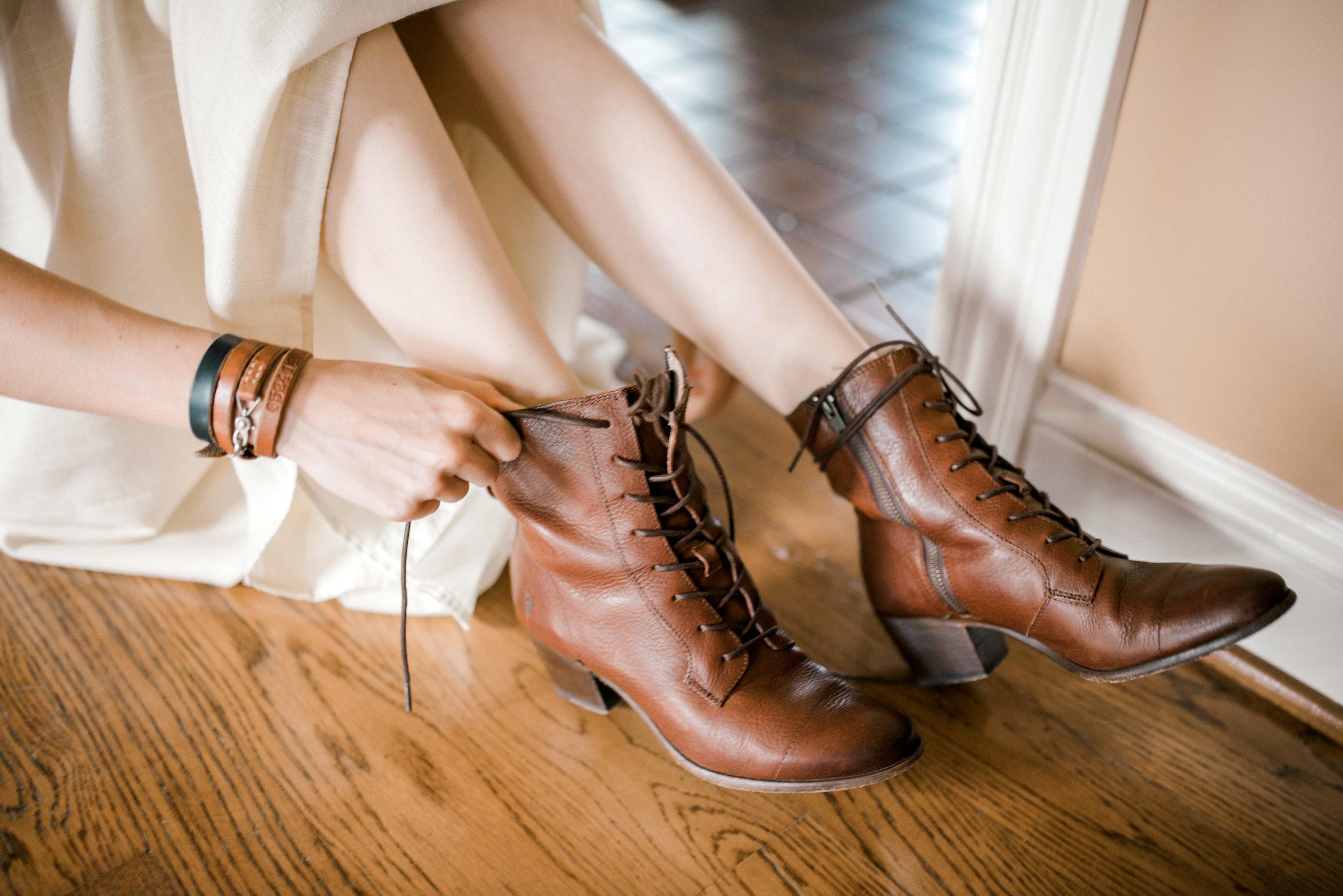 lexington-wedding-photographer-shoes