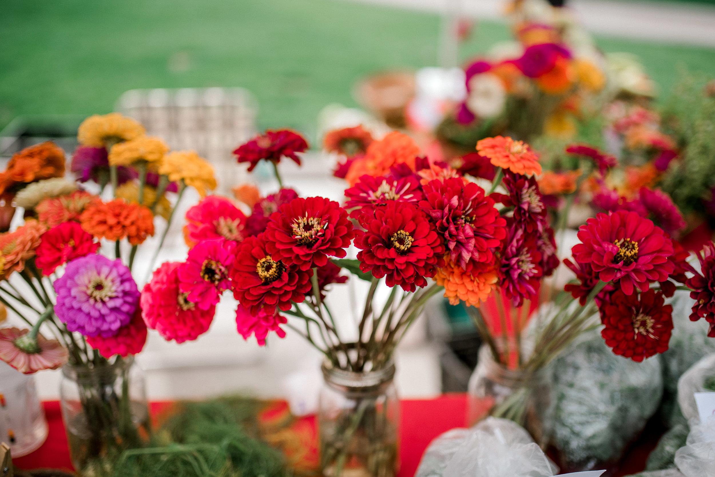 lexington-wedding-photographer-flowers