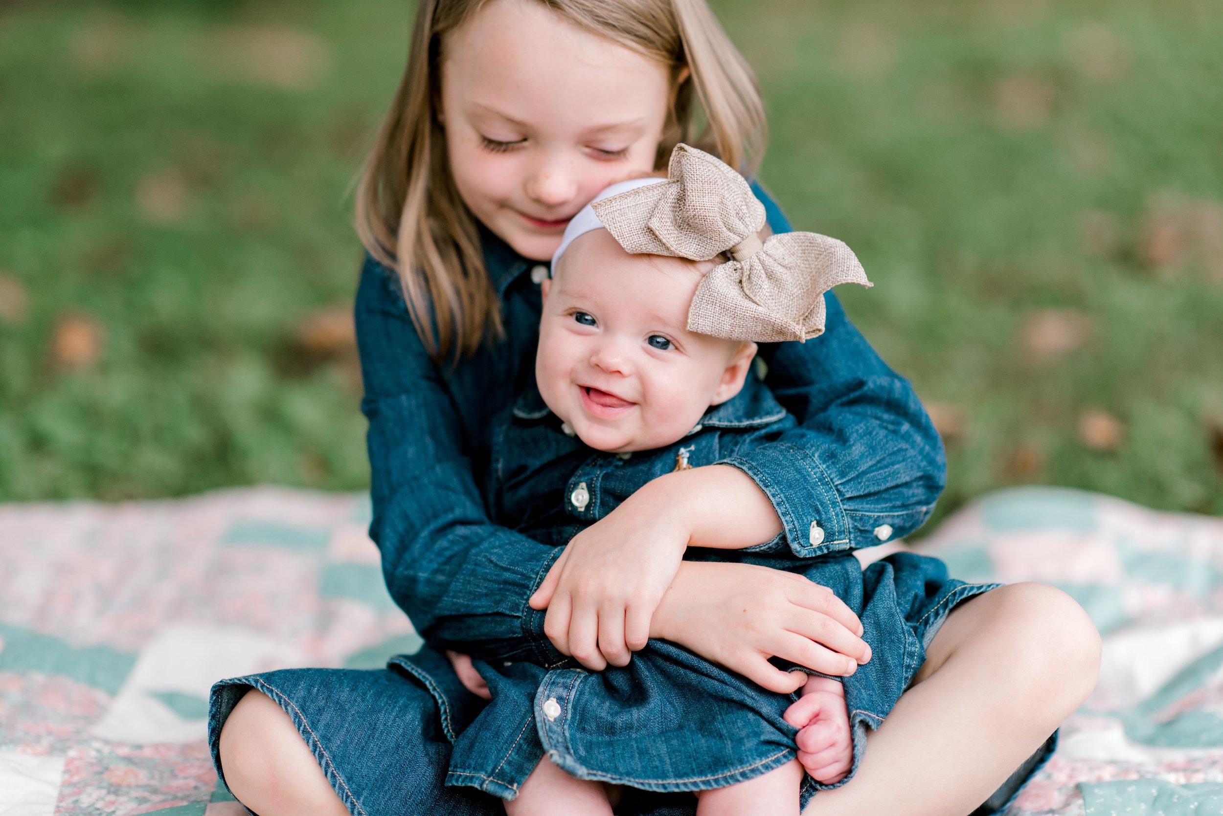 hindman-kentucky-family-photographer-sisters