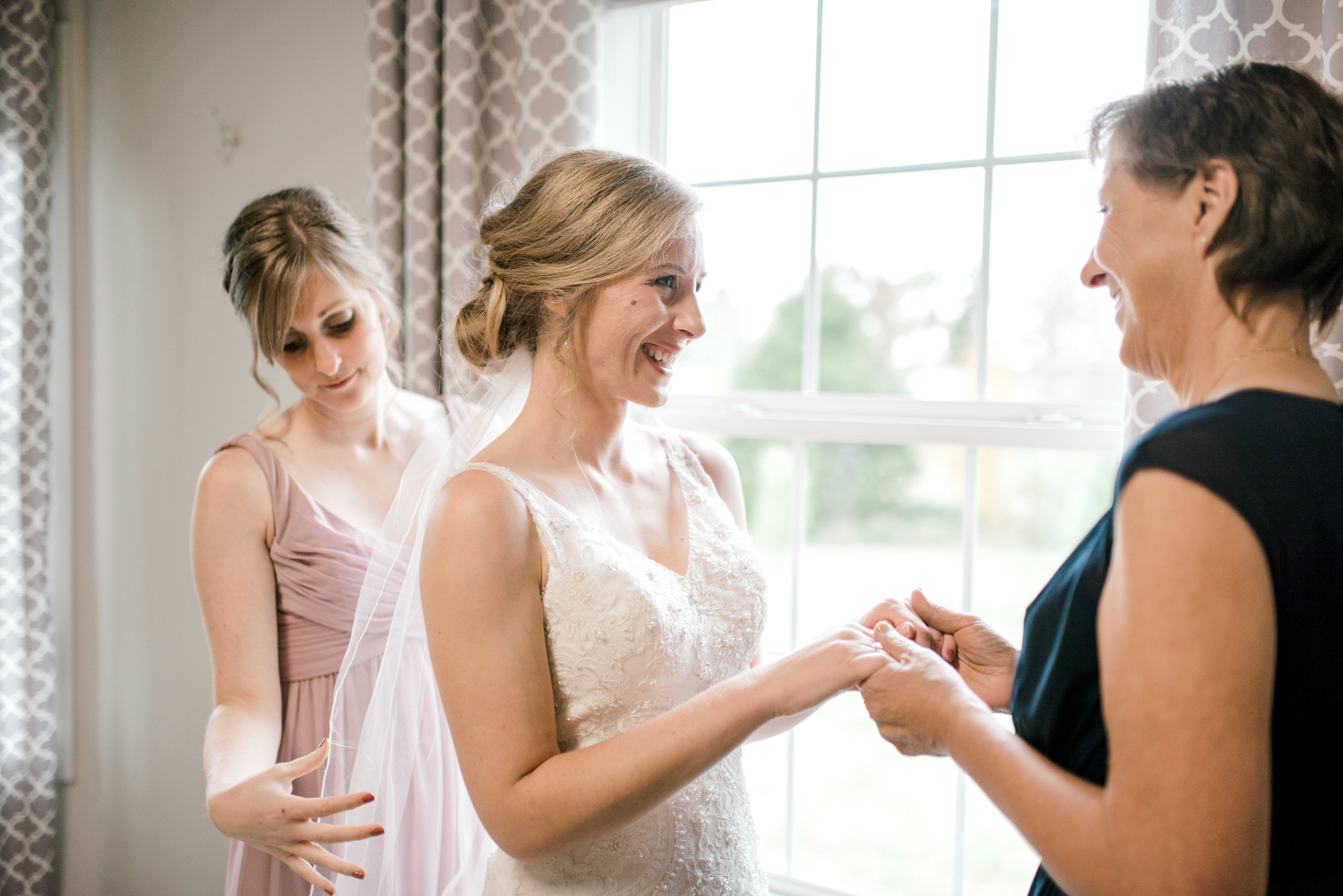 wedding-photographer-lexington-kentucky-getting-ready