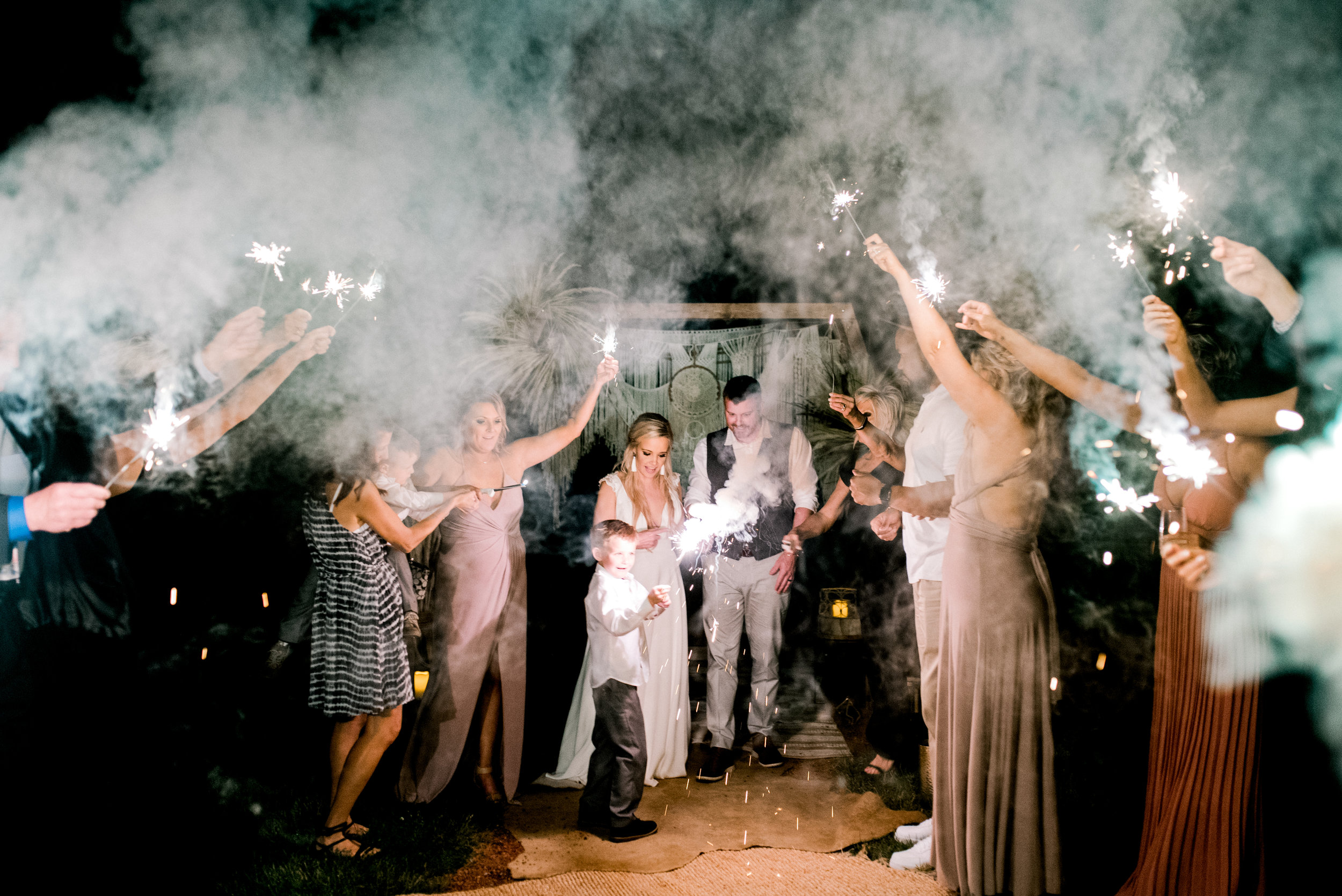kentucky-wedding-photographer-sparkler-exit