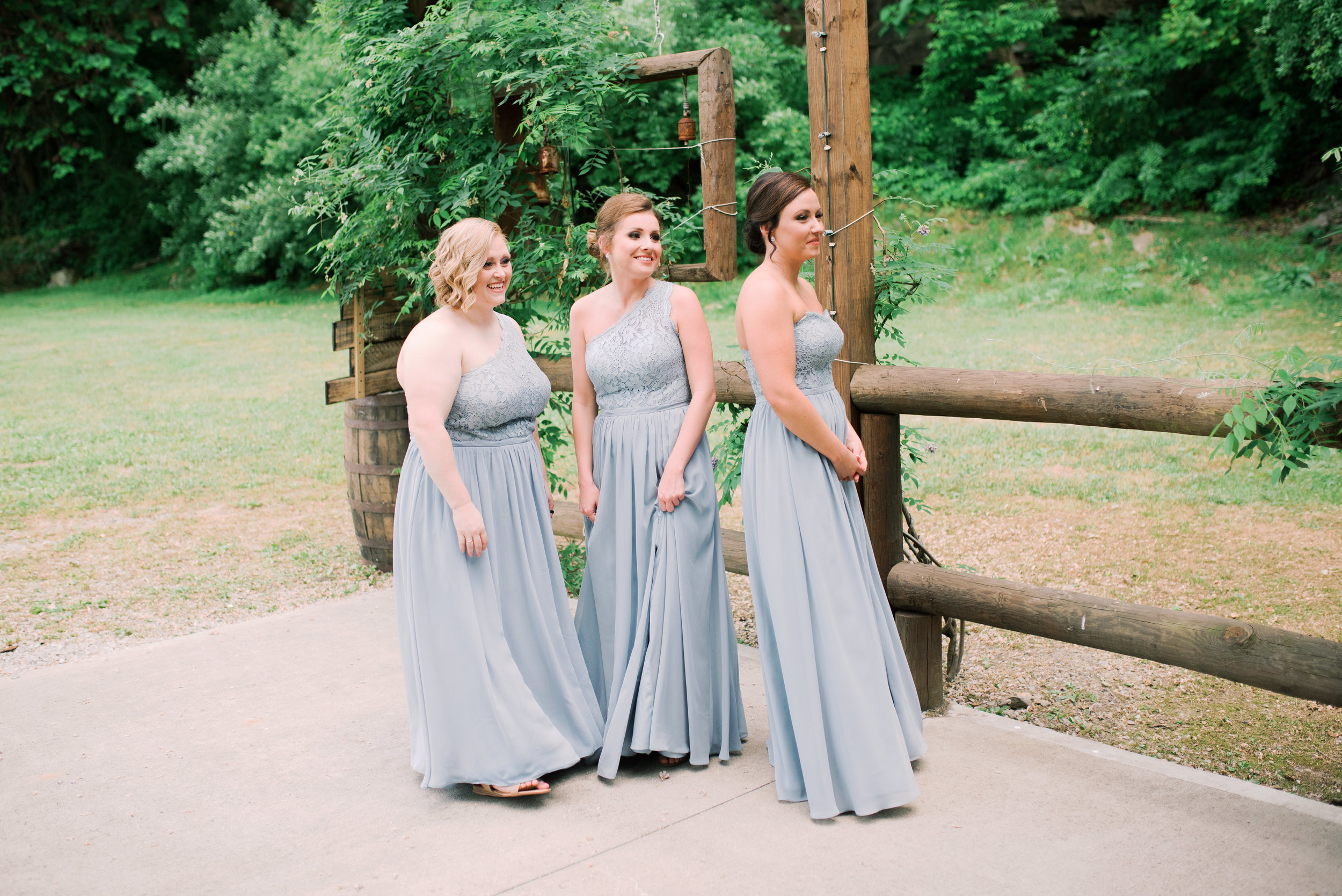 bridesmaids-first-look-lexington-wedding-photographer