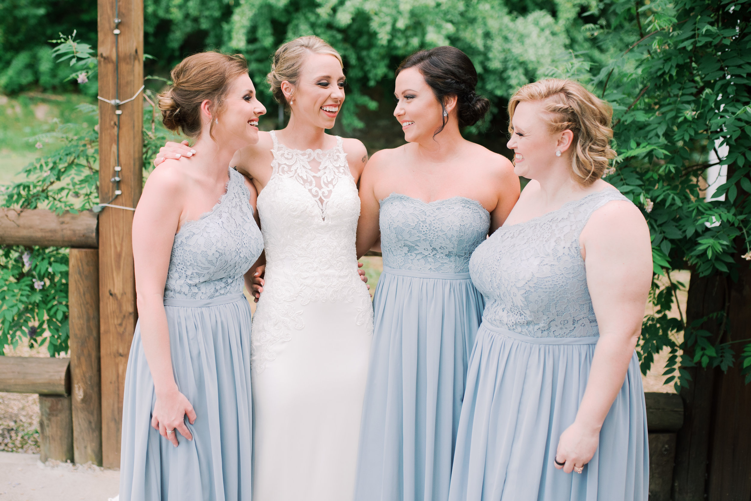 lexington-wedding-photographer-bridesmaids-dresses