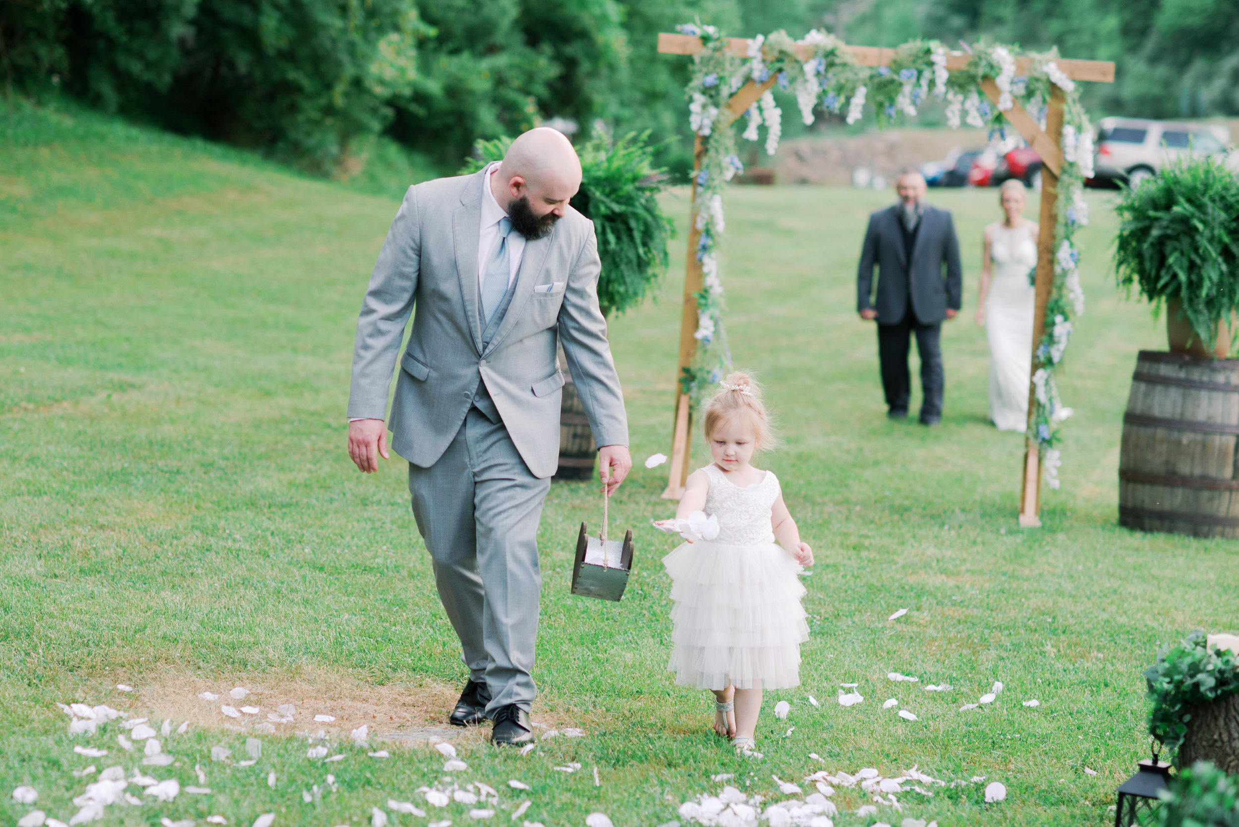 here-comes-the-bride-flowergirl-lexington