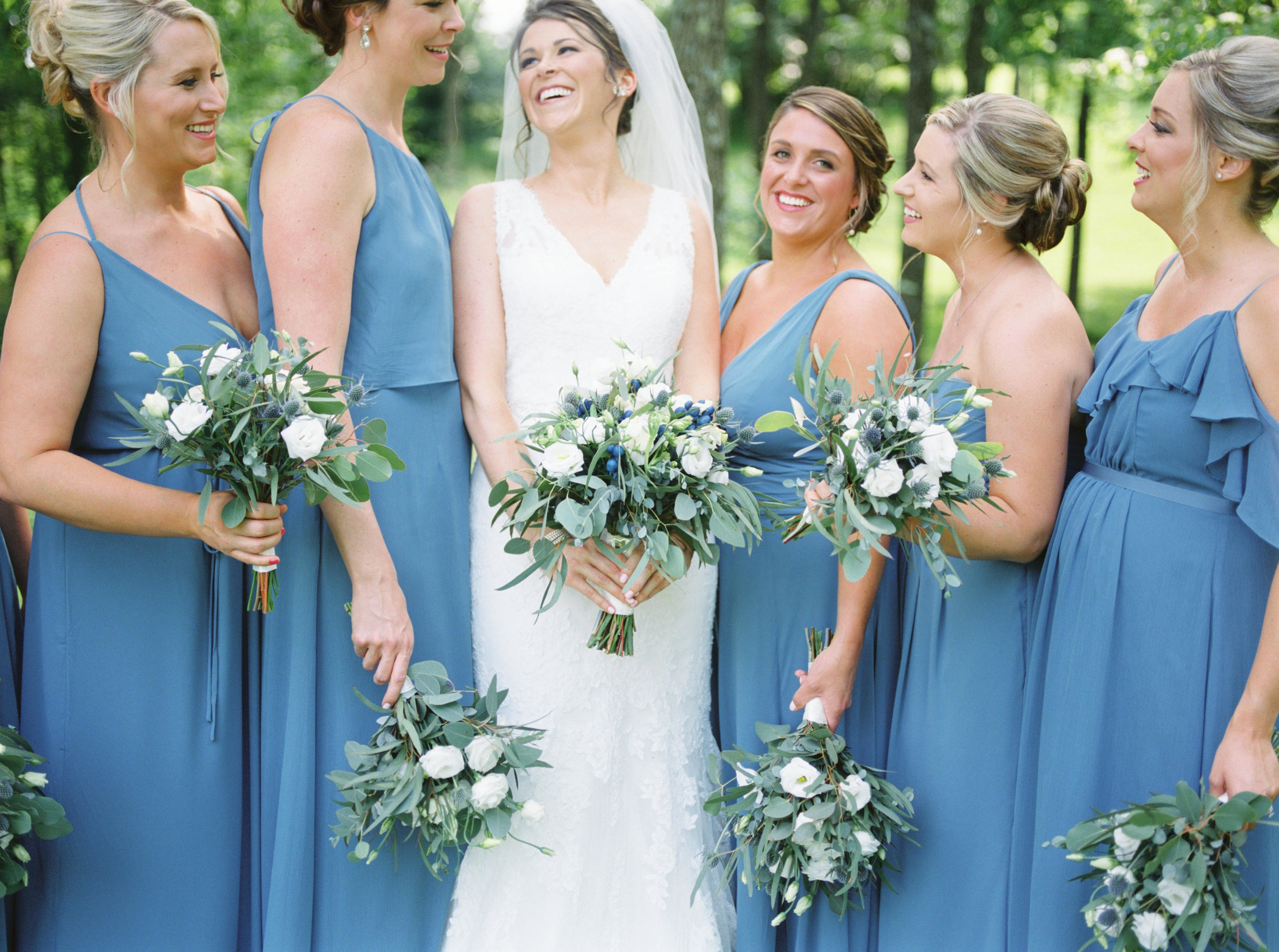 lexington-wedding-photographer-bridesmaids