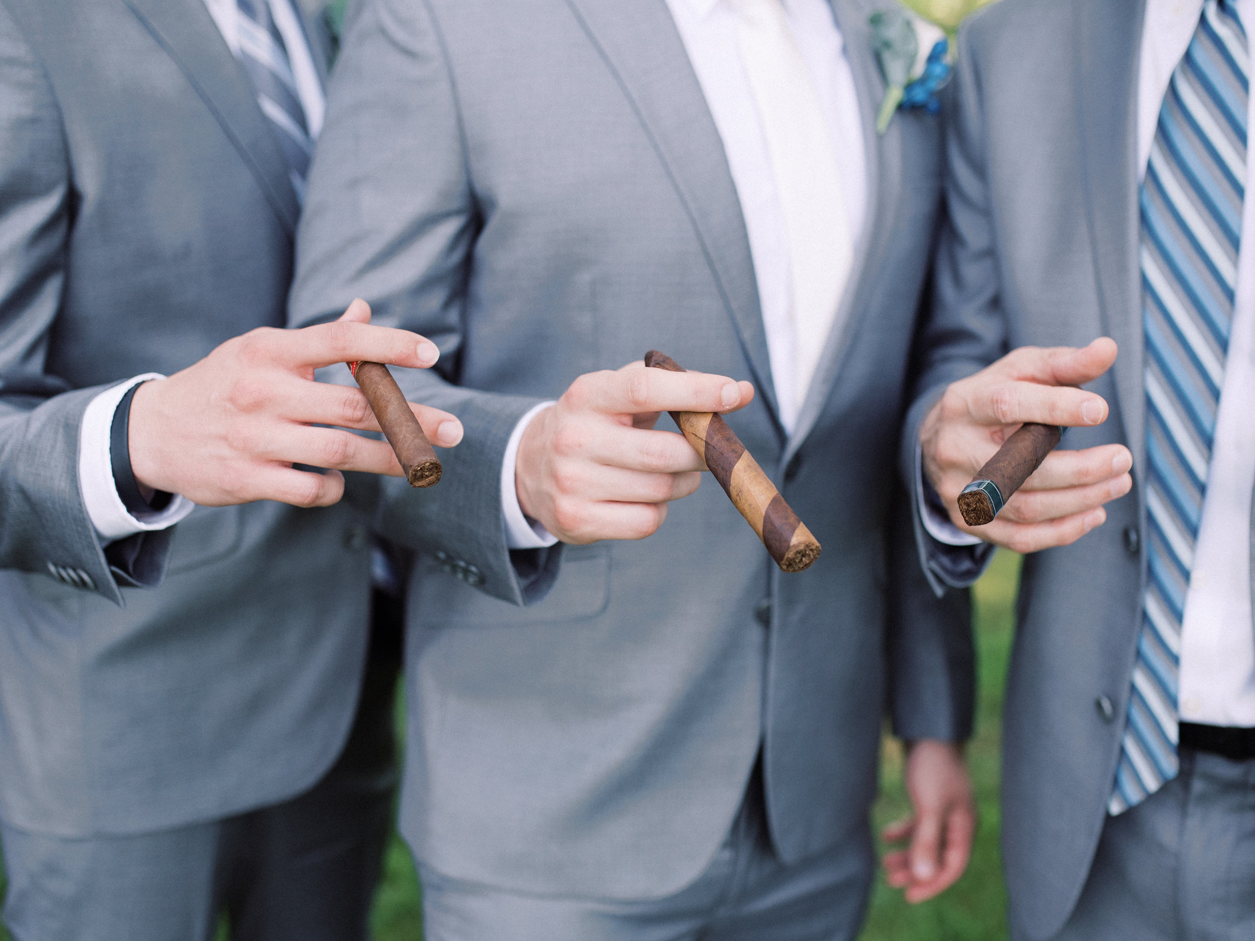 best-lexington-wedding-photographer-cigars