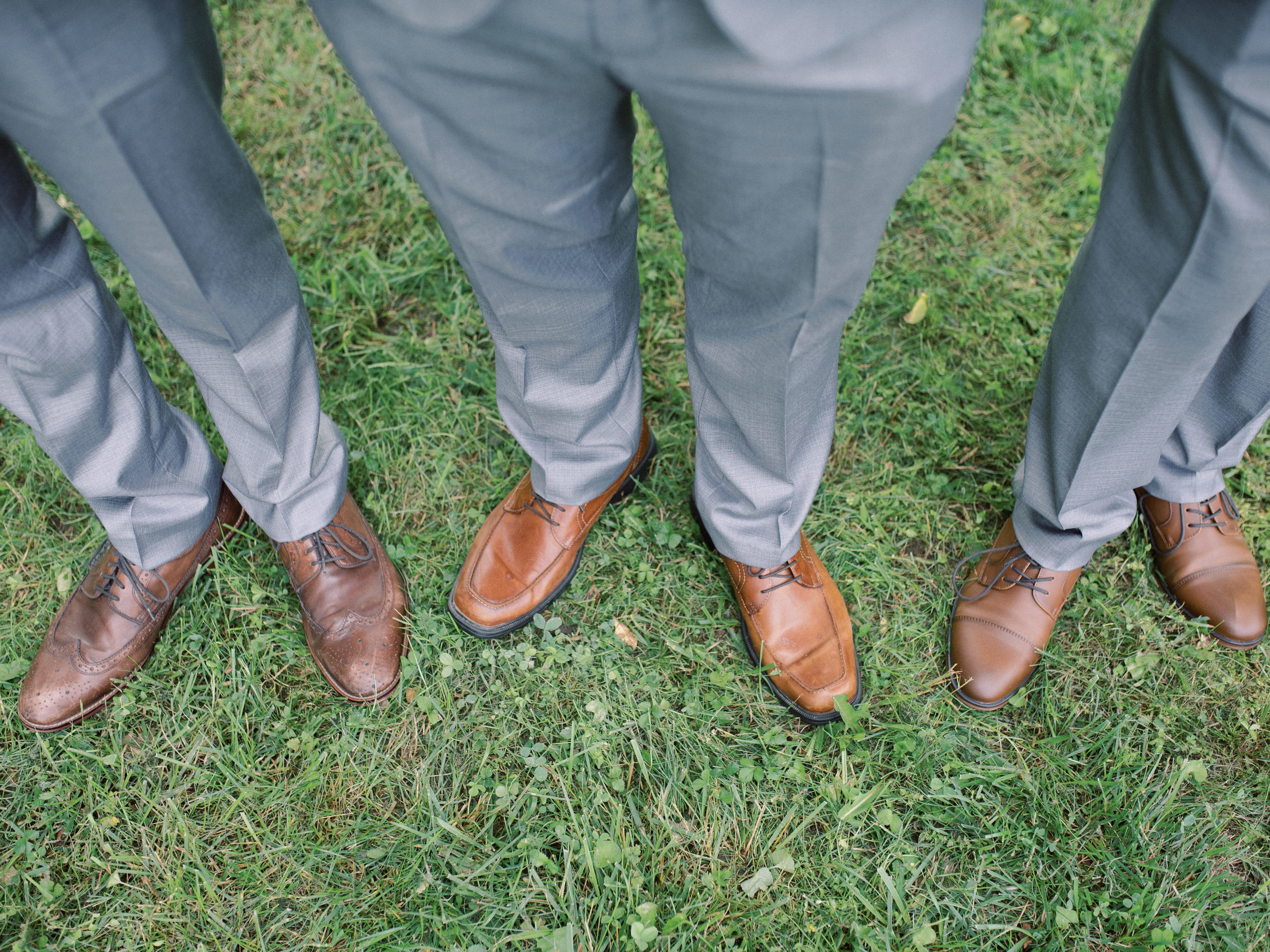 best-lexington-wedding-photographer-shoes