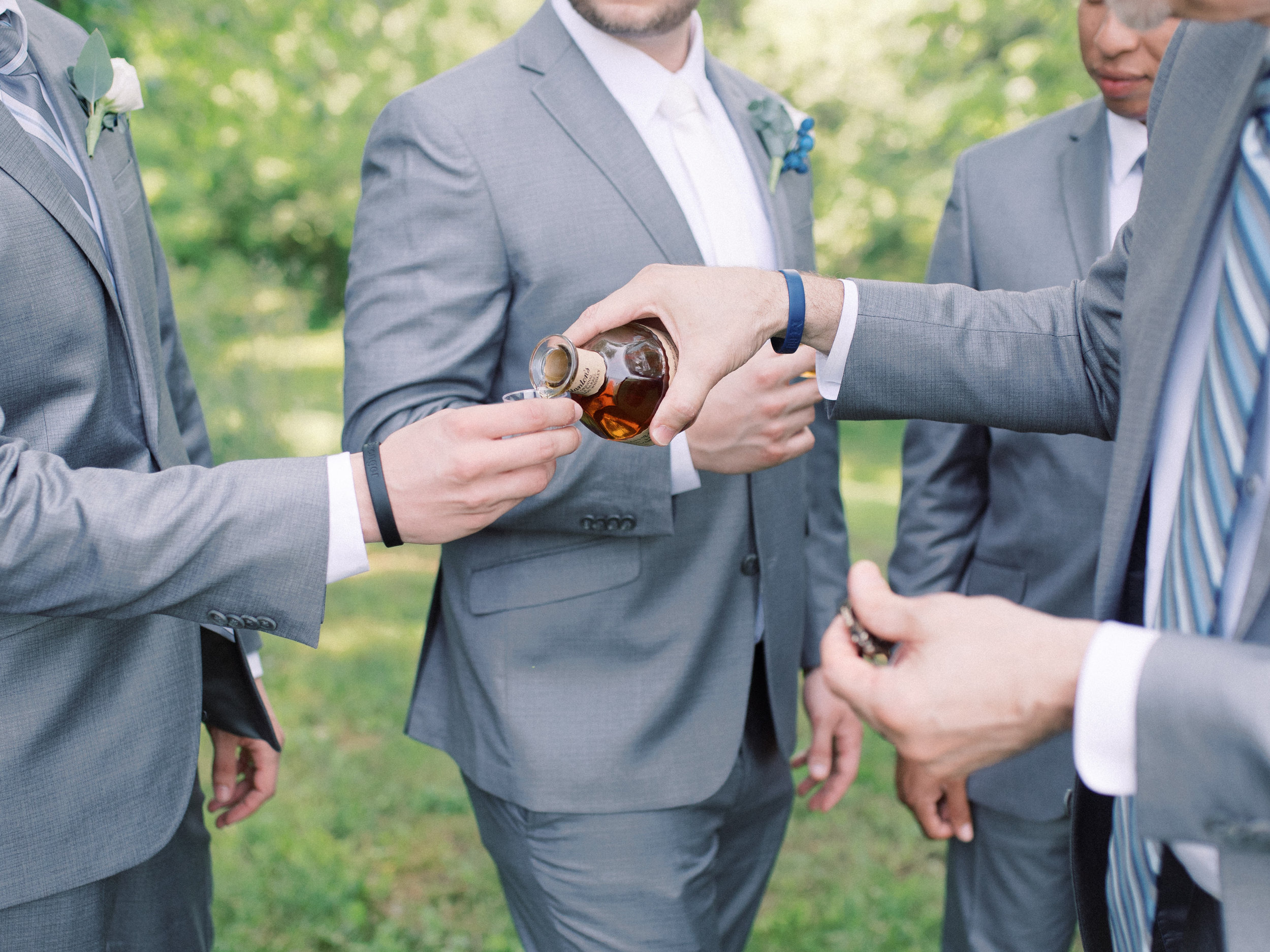lexington-wedding-photographer-bourbon-groom